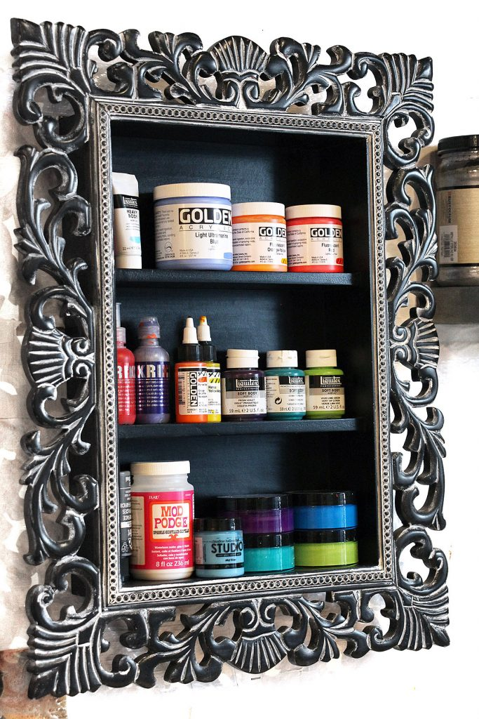 How To Store and Organize Art Supplies: Paint Tubes & Bottles | www.dianadellos.com - gain several new ideas for organizing art supplies in this 6-part series