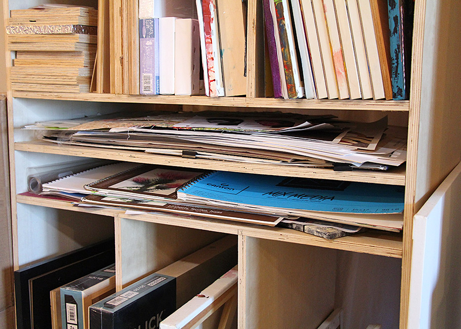 5 Ways To Organize Art Canvases, Paper, & Sketchbooks | www.dianadellos.com