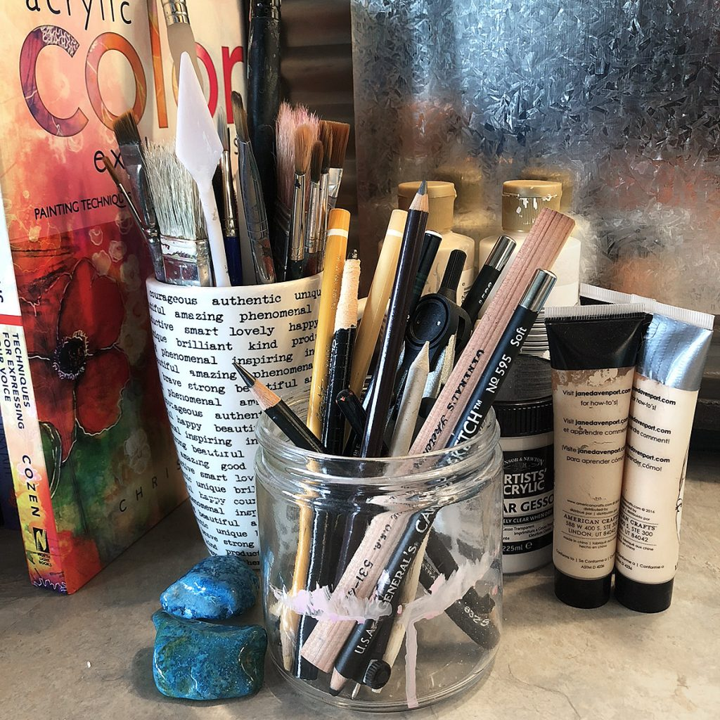 How To Store and Organize Art Supplies: Paintbrushes, Pens, Pencils, & Markers | www.dianadellos.com - gain several new ideas for organizing art supplies in this 6-part series